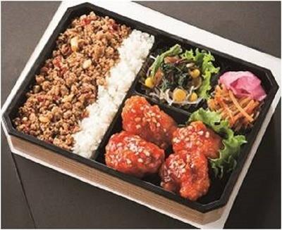 「韓カルビ 大雲」の「韓国鶏どり弁当」(880円)