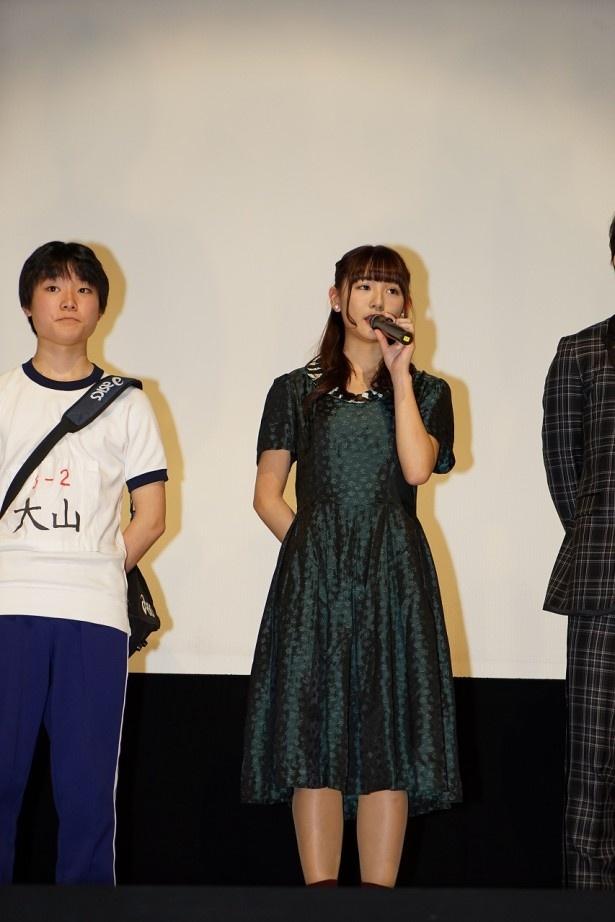 「14の夜」でヤンキー美少女を演じた浅川梨奈(中央)