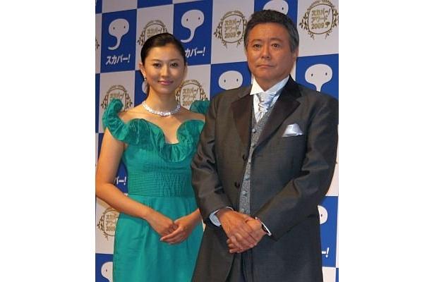 司会を務める小倉さん(右)と菊川さん