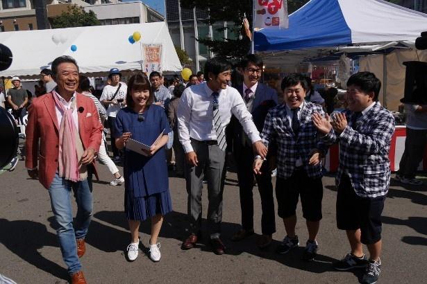 渡辺正行、門脇佳奈子、ハマカーン、ザ・たっち(左から)