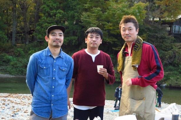 松浦祐也、山本浩司、新井(左から)