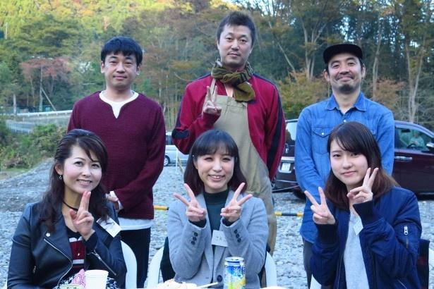 新井らと抽選で当選した番組のファン3人