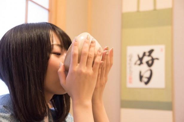 青木瑠璃子、茶の湯に触れて大和撫子を目指す