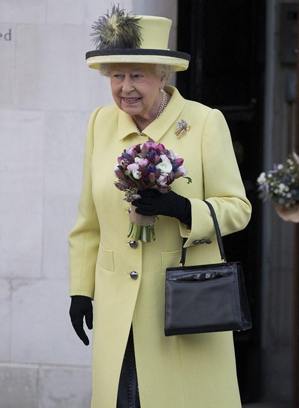 風邪をひき、クリスマスミサを欠席したエリザベス女王