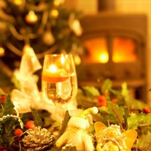 第1位となった「那須温泉 TOWAピュアコテージ」は72室すべてに北欧製の暖炉が備わっており、家族みんなで暖炉体験を楽しめる