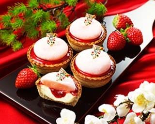 紅白でお正月らしい見た目の「パブロミニ いちご大福」(税抜324円)