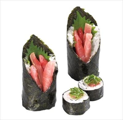 【写真を見る】大とろ、中とろ、赤身、まぐろたたきが一度に味わえる「まぐろ門松寿司」(税抜480円)