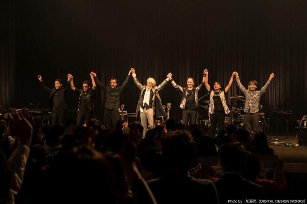11月19日に開催された「玉置浩二 CONCERT TOUR 2016~AMOUR~」の模様