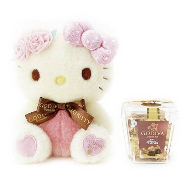 バラの花とふんわりしたリボンをあしらった上品なデザインの「ハローキティドール&GODIVA」(5400円)