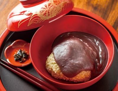 「あわしるこ」(1050円)は、ふっくらと蒸した香ばしい粟の上に、なめらかなこしあんをたっぷりかけた冬季限定のメニュー/弥次㐂多