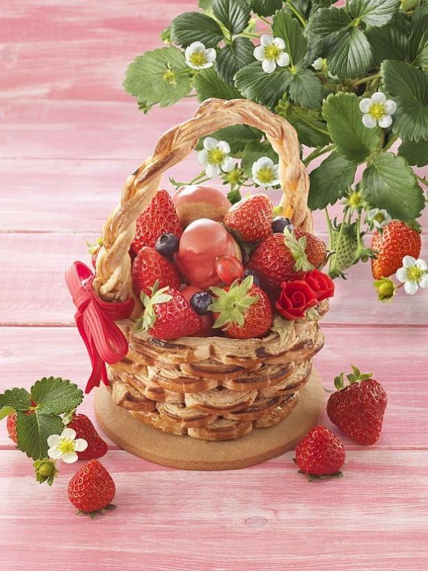 春のスペシャルケーキ「いちご摘み」(8640円)