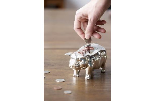 """婚約指輪の購入資金は幸福のシンボル""""ブタ""""の貯金箱で貯めよう"""