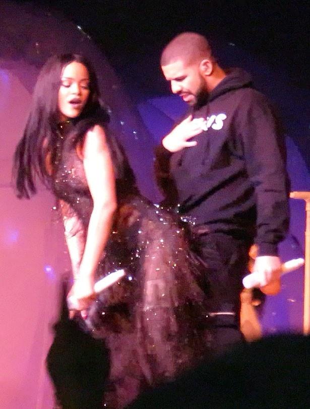 お互いR&Bの人気歌手として活躍するリアーナとドレイク