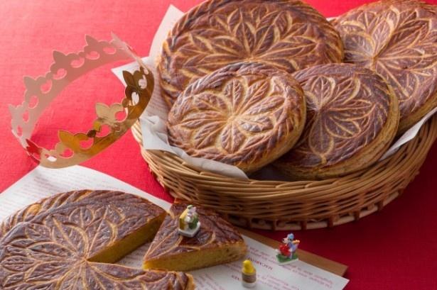 フランスでは新年になると一斉に菓子店に並ぶ「ガレット・デ・ロワ」。年明けには欠かせない伝統的なお菓子だ。