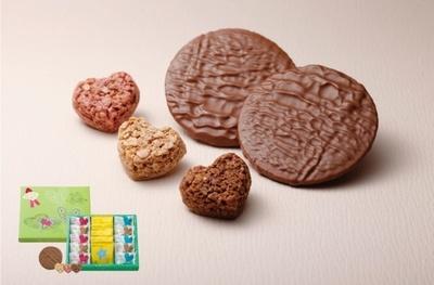 ショコラゴーフルとハートクランチを詰め合わせた「スウィーツアソート」(1080円)