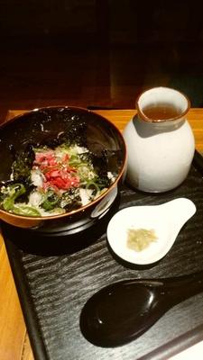 仕上げにぴったりの「ユッケだし茶漬け」(680円)。米は滋賀県産の特A獲得の「みずかがみ」を使用している