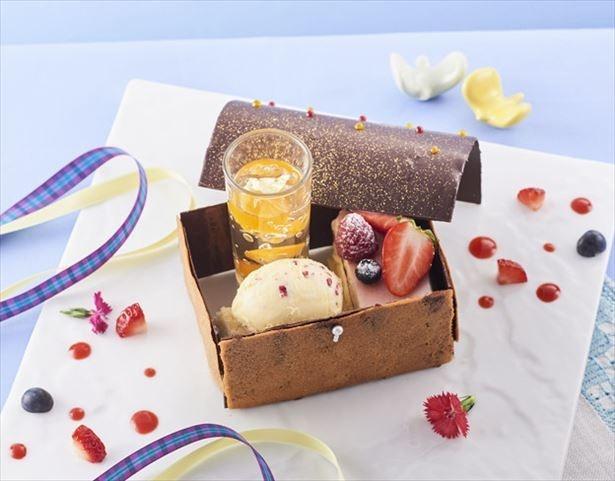 「小田急 山のホテル」のデザートレストラン「プレミアムショップ&サロン・ド・テ ロザージュ」に、宝箱みたいな限定スイーツ登場