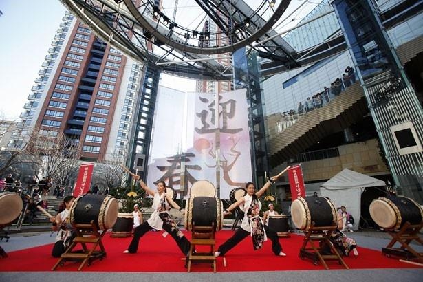 和太鼓や獅子舞など、お正月らしい新春ステージで盛り上がろう!