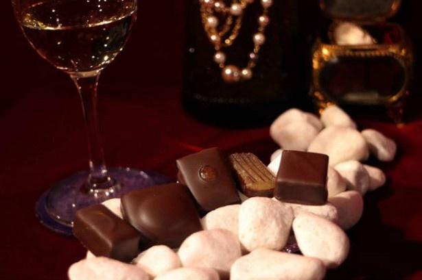 ワインとも相性抜群の、スパイスの効いたショコラたち