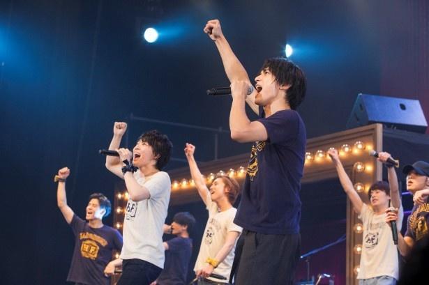 アンコールは「YES!WE CAN!」他、全3曲で熱くなる!