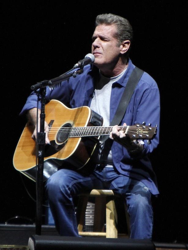 米国のロックバンド、イーグルスのリーダーであるグレン・フライ