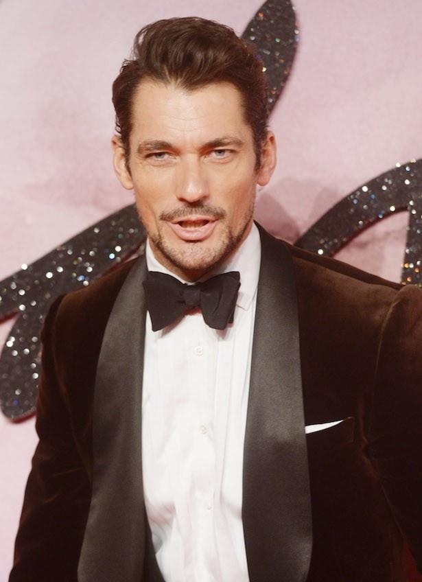 世界的なスーパーモデル、デヴィッド・ガンディも3位に選ばれた