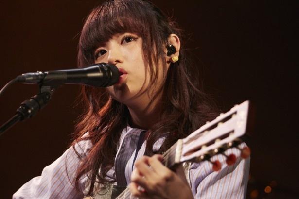 11月24日に東京・EX THEATER ROPPONGIで行われた藤原さくらの公演の模様