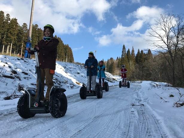 雪景色をセグウェイで楽しむ「雪上コスプレセグウェイ体験会」