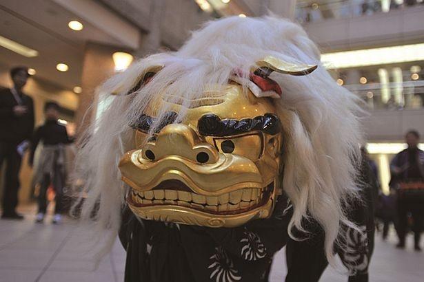 マークイズみなとみらいで開催される「新春 獅子舞」