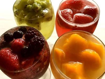 凍らせたフルーツを氷代わりに使った「凍らせフルーツカクテル」