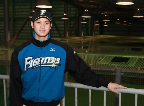 紅白歌合戦のゲスト審査員に選ばれた北海道日本ハムファイターズの大谷翔平。'16年シーズンは投手として10勝、打者としても22本のホームランを放ちチームの日本一に貢献した