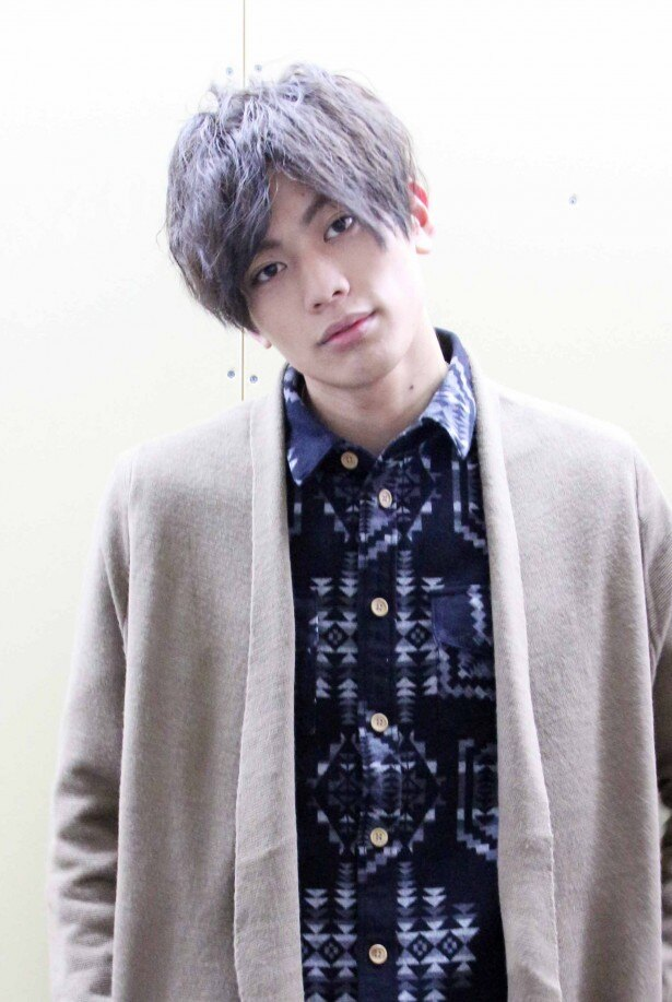 1月18日(水)に自身初となるパーソナルDVD「東啓介、南へ行く。」を発売する注目の若手俳優・東啓介に直撃!