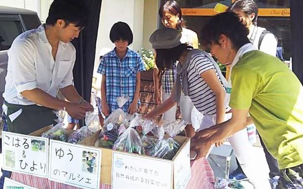 「ログハウスがあれば、収穫期間中、何度でも子どもたちに販売を経験させてあげることができます」と横島さんは語る