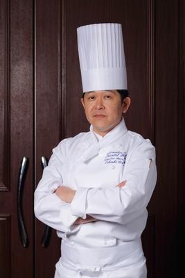 浦邊孝料理長が腕によりをかけて各地の美味を調理