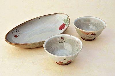 唐津焼・春窯 だ円鉢(1万500円)、茶碗(5250円)