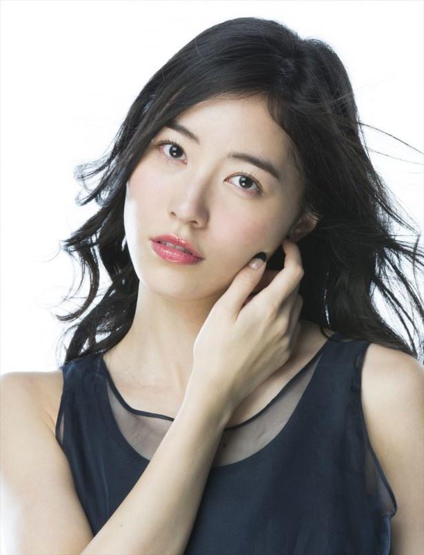 ファッションモデルの松井珠理奈さん
