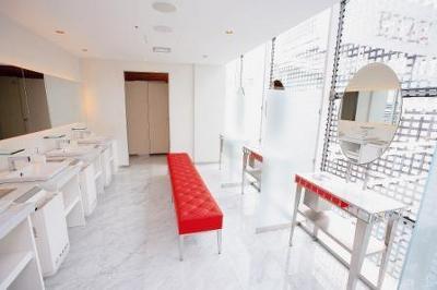 清潔感あふれるトイレは白で統一!