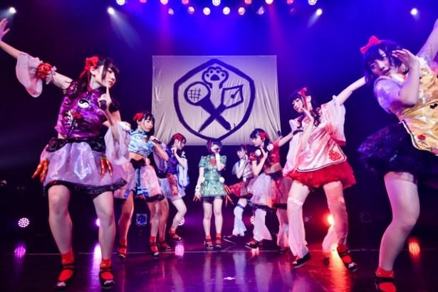 """虹のコンキスタドールがワンマンライブを開催。「メジャーデビュー決定」など、""""7大!重大発表!""""を行った"""