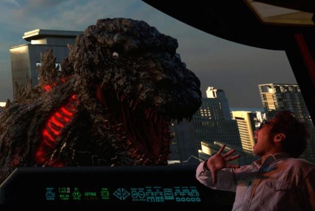 「ゴジラ・ザ・リアル 4-D」は大阪に上陸したゴジラとの大迫力の戦闘が体感できる(画像提供:ユニバーサル・スタジオ・ジャパン)