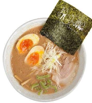 今、アツいエリア、小岩にある「極濃麺家 初代 一本氣」のラー麺(こだわり味玉のせ、750円)