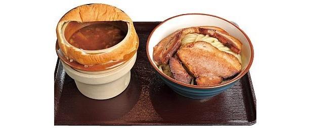 つけダレにパイで蓋をするアイデアが斬新な「UMA」の極UMAつけMEGAチャーシュー(1150円)