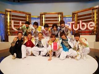 Uta-Tubeの生放送終了後の(写真左)MCの鉄平、(左)BOYS AND MEN