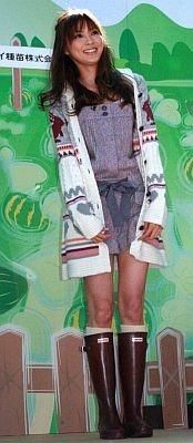 今日のファッションをお披露目。さすがモデル