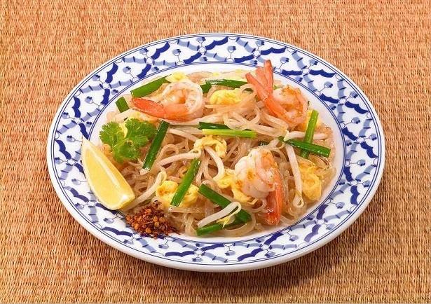 【写真を見る】イカリソースからタイ料理が簡単にできる焼きそばソースが新登場!タイ風焼きそば「パッタイ」が家庭で簡単に作れる