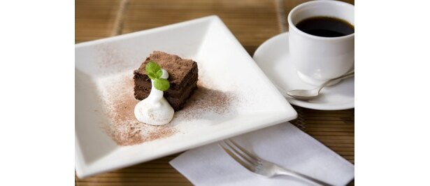 民宿近くの「KEIZANSOUCAFE」でおすすめのチョコレートケーキ