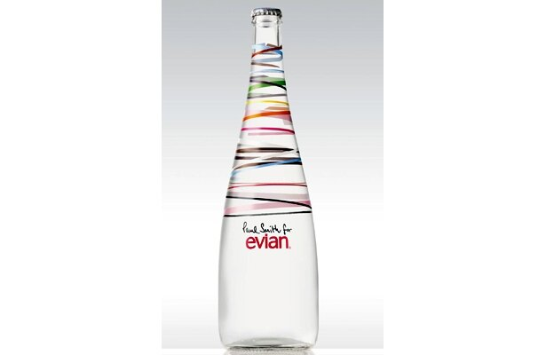 毎年、コレクターが出るほどのエビアン「イヤーズボトル」。2010年はポール・スミス氏とコラボレーション!11/16(月)に全国発売