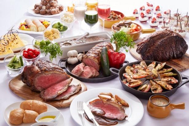 ランチビュッフェでは、人気のローストビーフにオージービーフとアメリカンビーフの2種が登場。食べ比べてみよう!