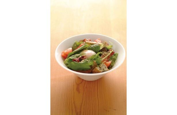 ガーデンサラダサンド「たっぷり野菜と半熟卵のシーザーサラダサンド」¥1050