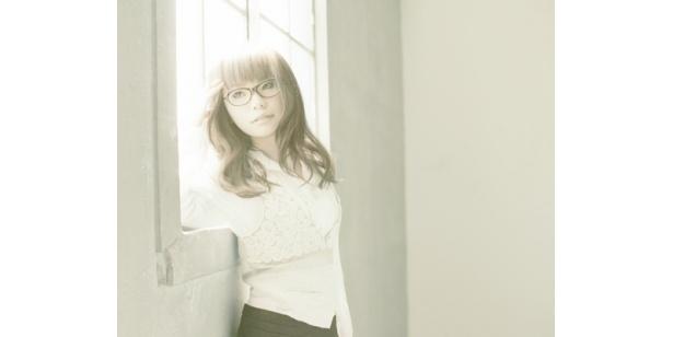 坂詰美紗子は、人気シンガー・ソングライターだ!