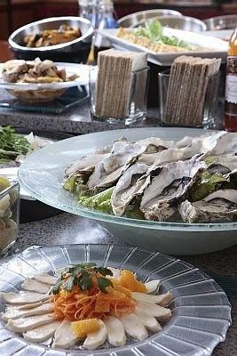 地中海料理を中心に展開するブラセリー「チェッカーズ」の料理の一例